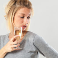 rosacea en alcohol